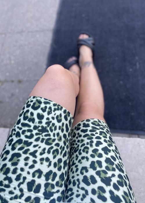 Erin tight shorts LT. GREEN