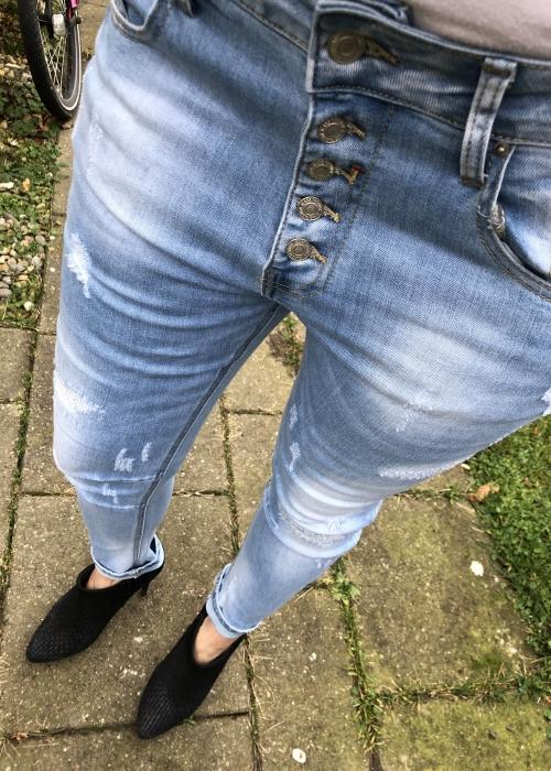 Trash jeans