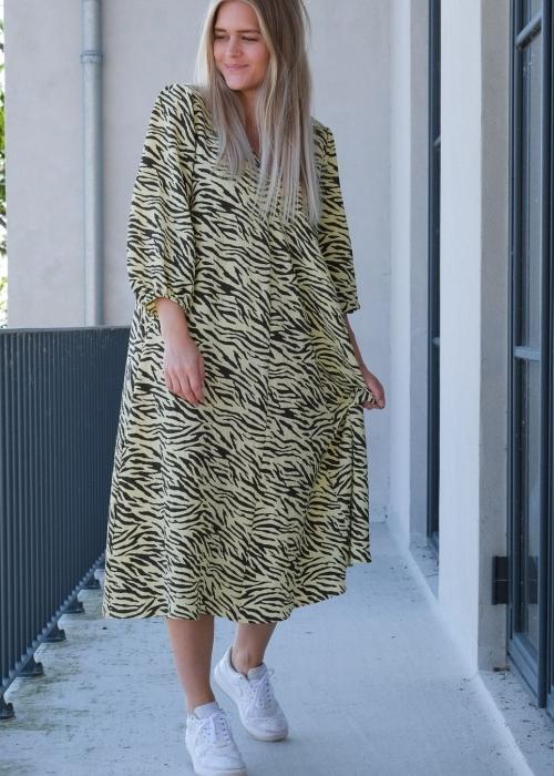 Tasia zebra dress LIGHT YELLOW