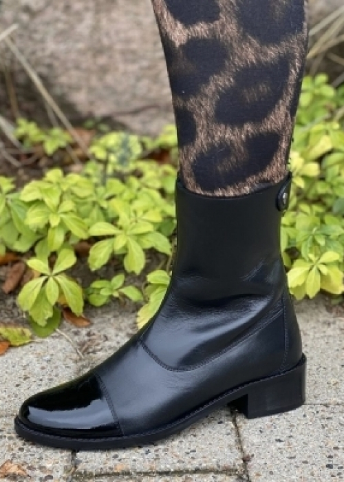 She patent boot BLACK
