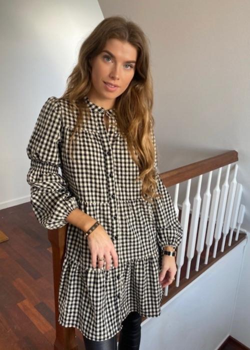 Sanna small check dress BLACK (Preorder - levering start december)